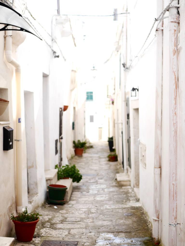 ostuni-backstreets-puglia