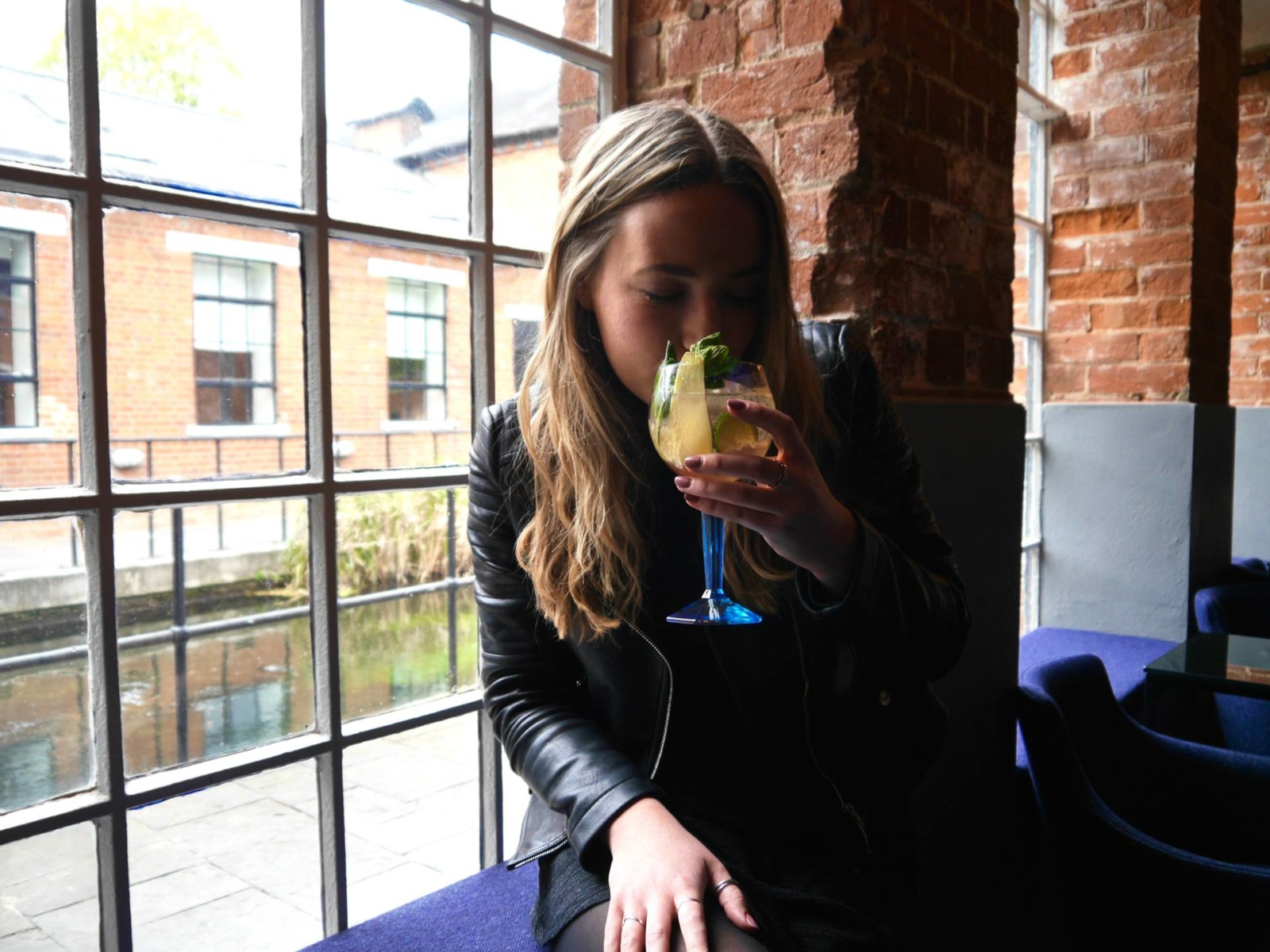 the-travelista-jess-gibson-laverstoke-mill-bombay-sapphire
