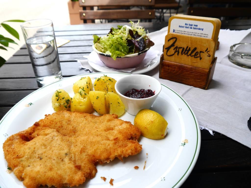 chicken-schnitzel-salzburg