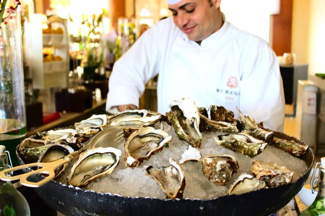 doha-st-regis-brunch-oysters_1024