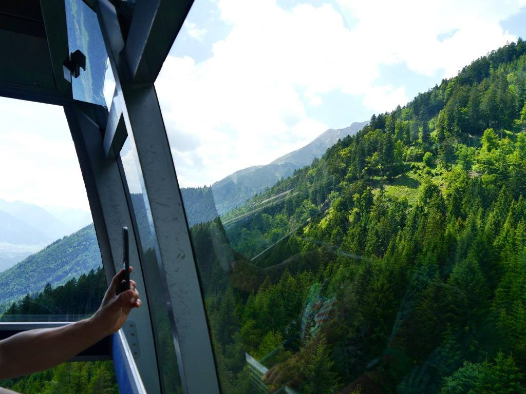 nordkette-mountain-cable-car-innsbruck-austria