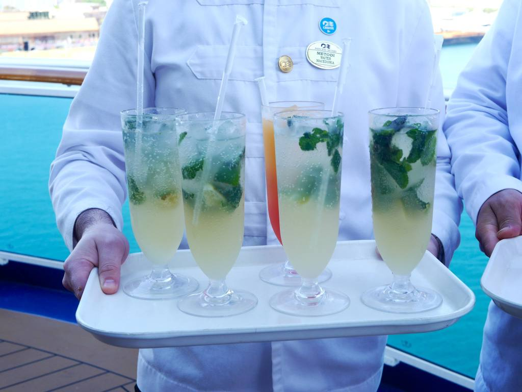 royal-princess-cruise-ship-cocktails