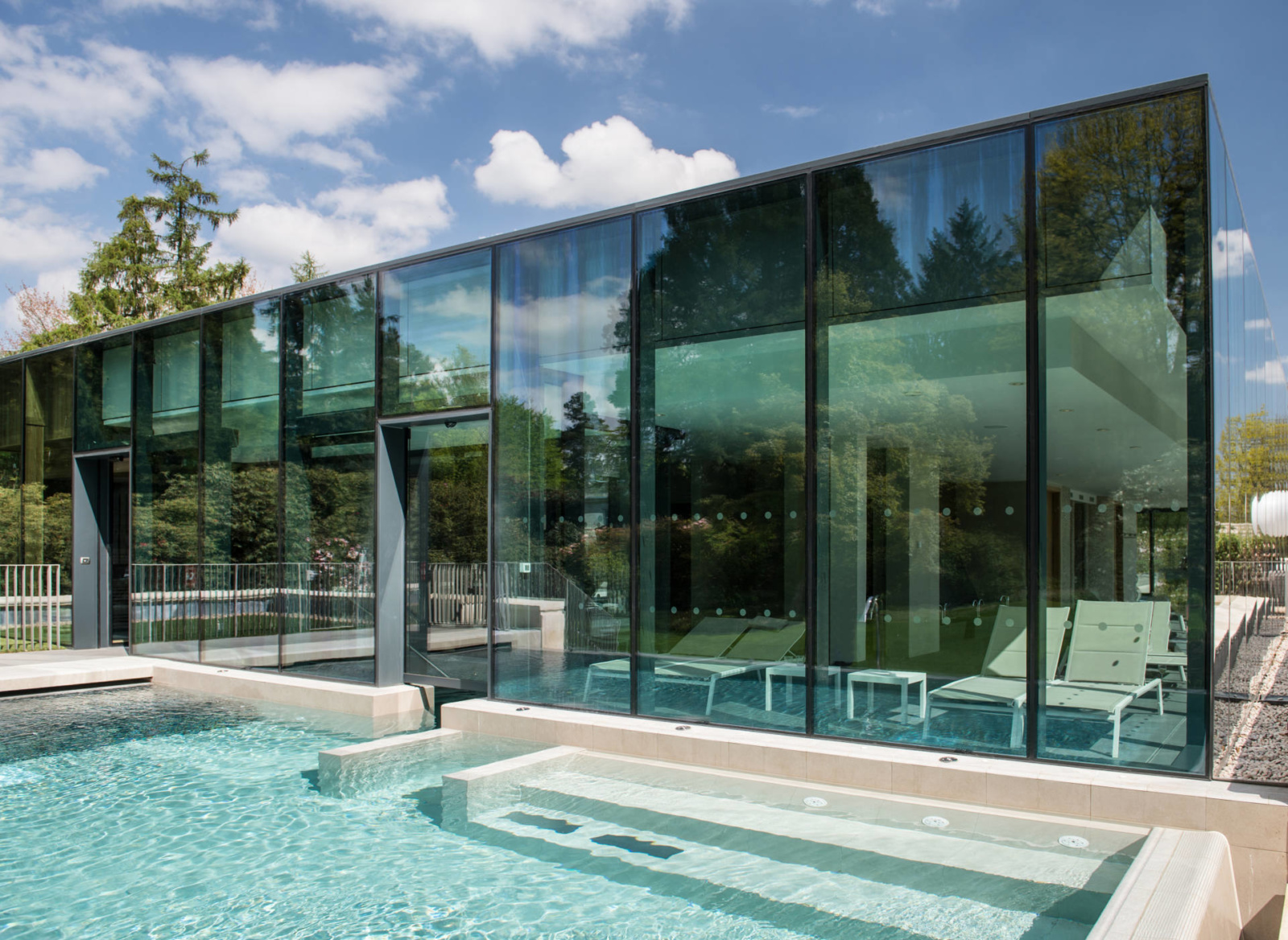 rudding-park-spa-harrogate-infinity-pool1