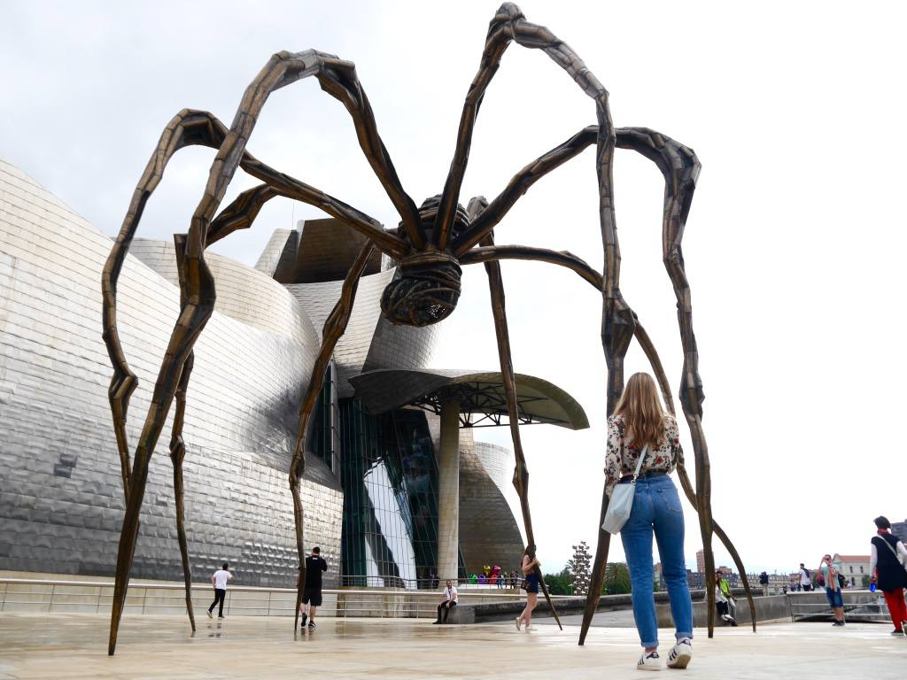 bilbao-guggenheim-museum-spider-sculpture