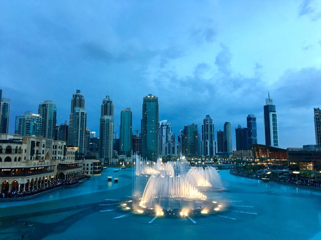 dubai-night-waterfountains