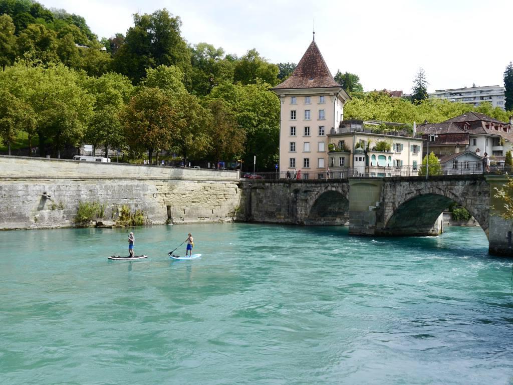 river-aare-bern-sup-boarding