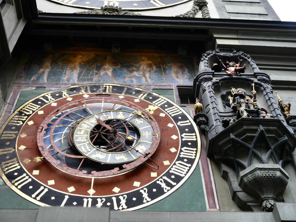 zytglogge-clock-tower-bern