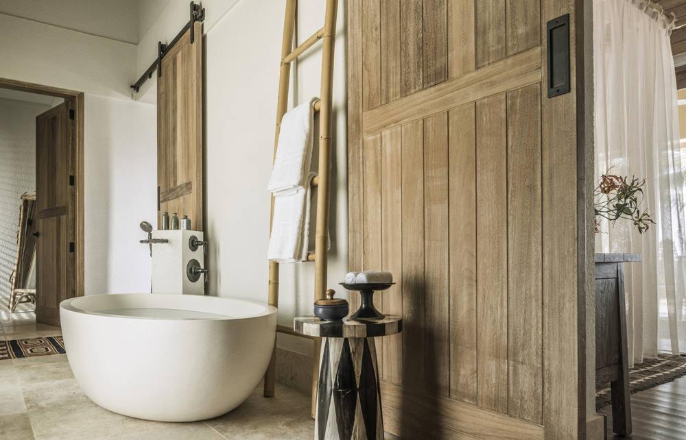 Four Seasons Seychelles Desroches Island - Bath tub