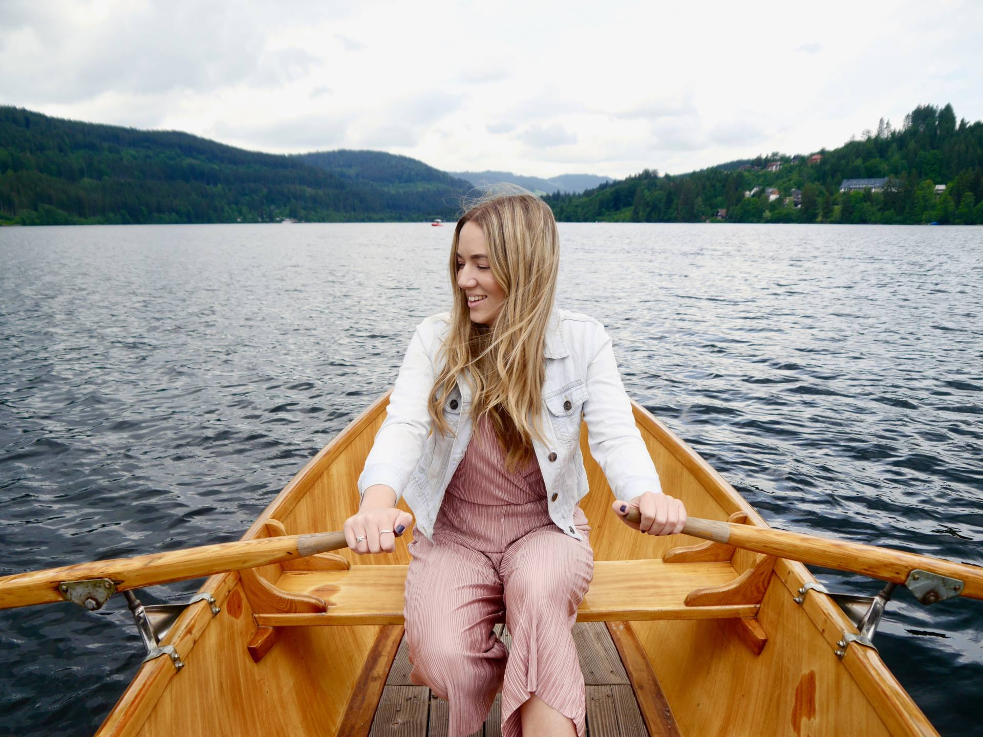Rowing boat Lake Titisee| Things to do in the Black Forest