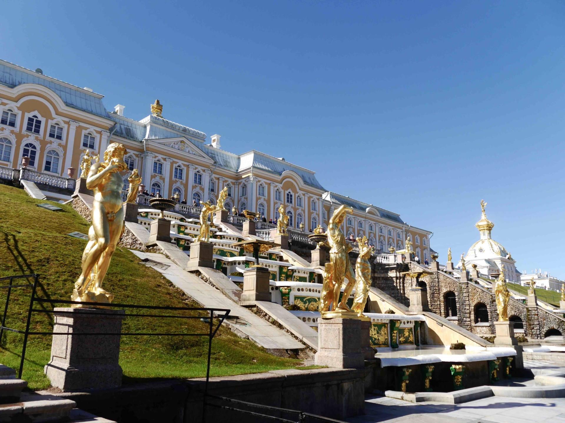 Things to do in St Petersburg | Peterhof Palace