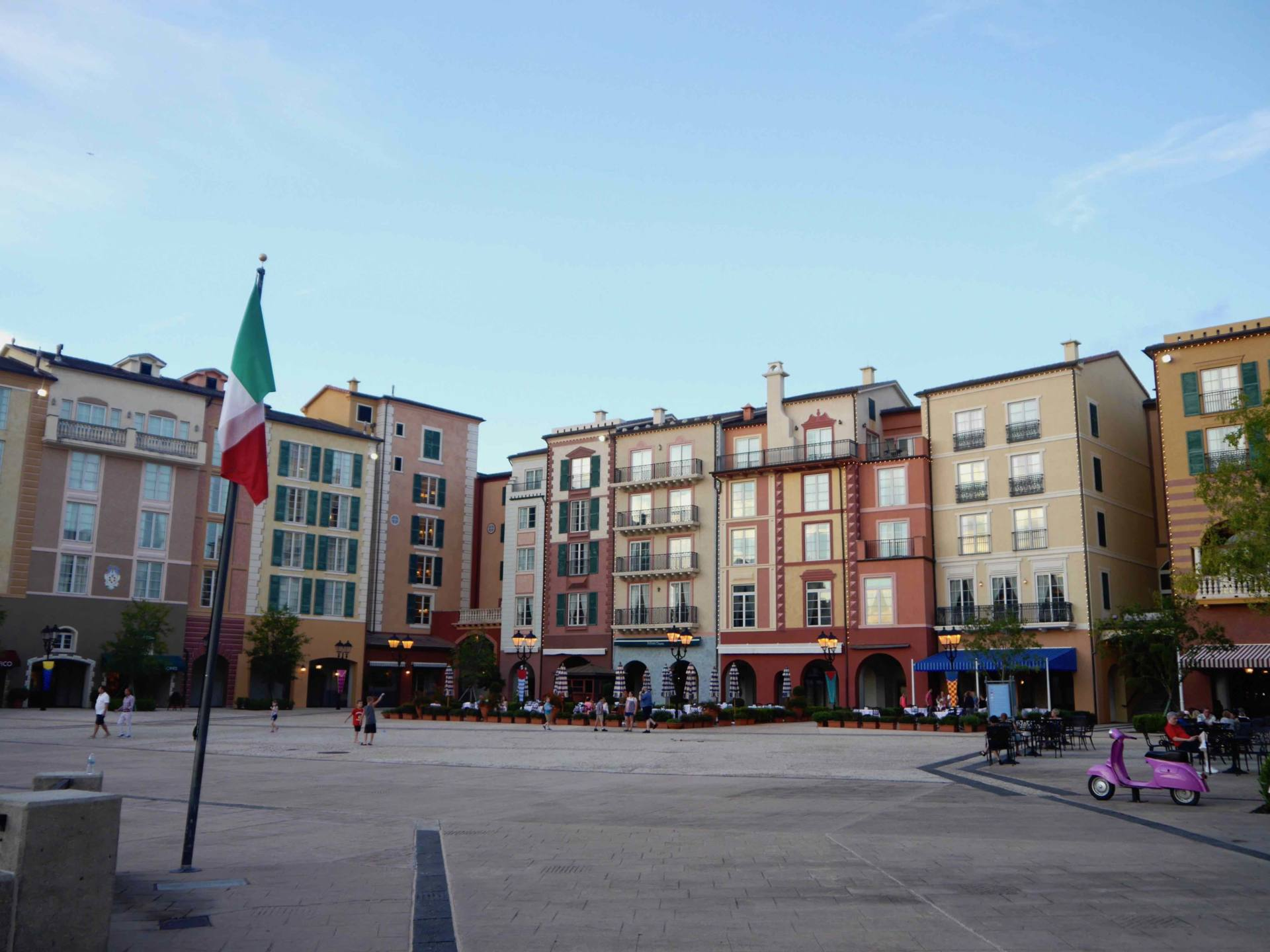 Loews Portofino Bay Hotel | Universal Orlando Resort Hotel | Waterfront