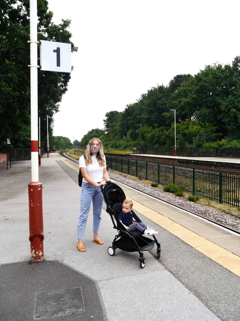 The Travelista | Train travel with a mask | Babyzen yoyo
